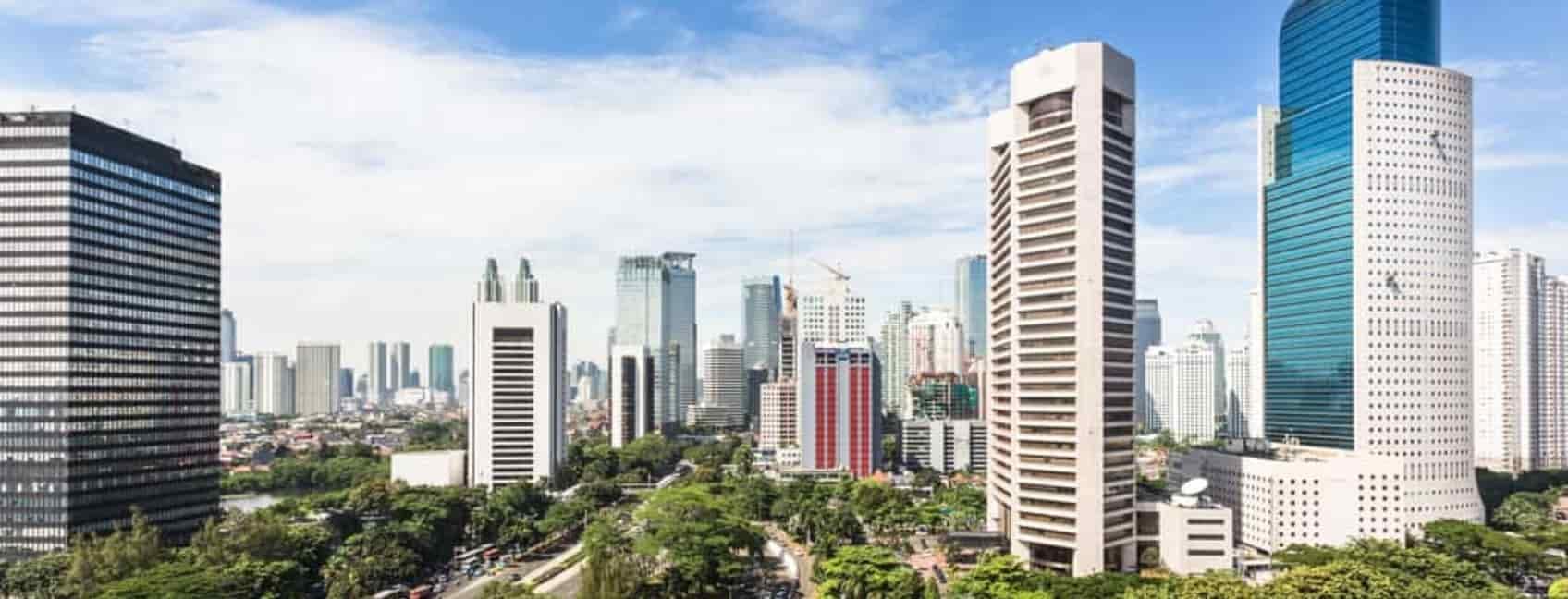 Jalan Sudirman ジャカルタのJalan Sudirman沿いのビジネス地区。