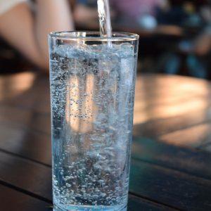 なぜ水にハラル認証が?